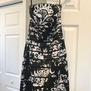 White House Black Market Strapless Short Dress - 0
